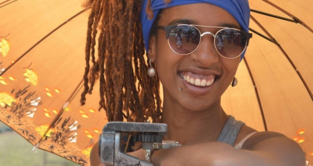 Camila de Moraes, segunda diretora negra a conseguir colocar um filme no circuito comercial brasileiro