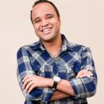 Retrato de Miguel Arcanjo, colunista de teatro do portal R7.com